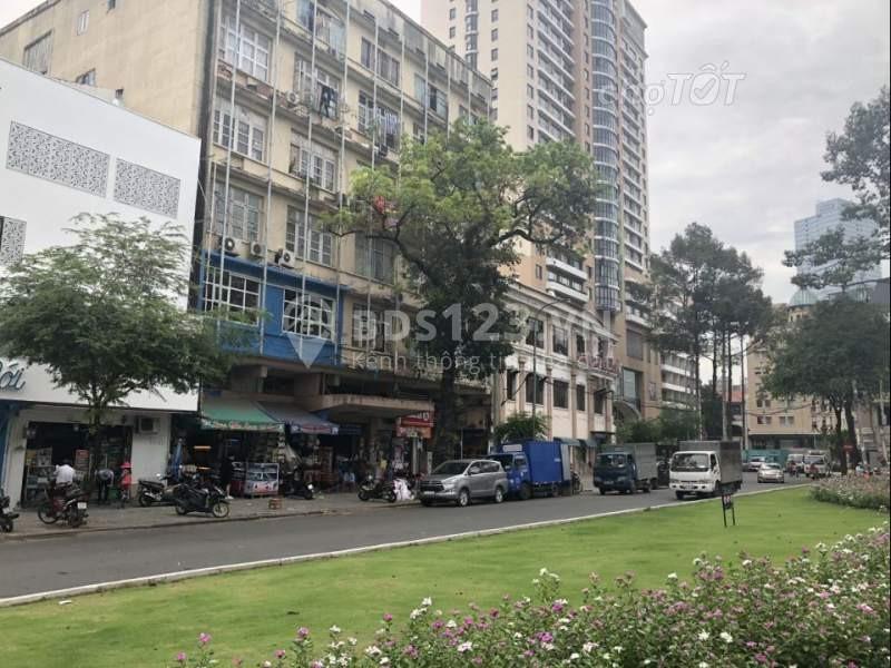 Đường Công Trường Lam Sơn tại Quận 1