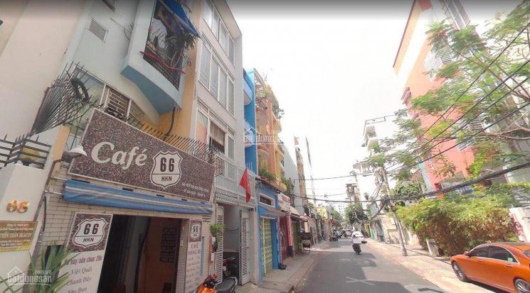 Đường Huỳnh Khương Ninh tại Quận 1